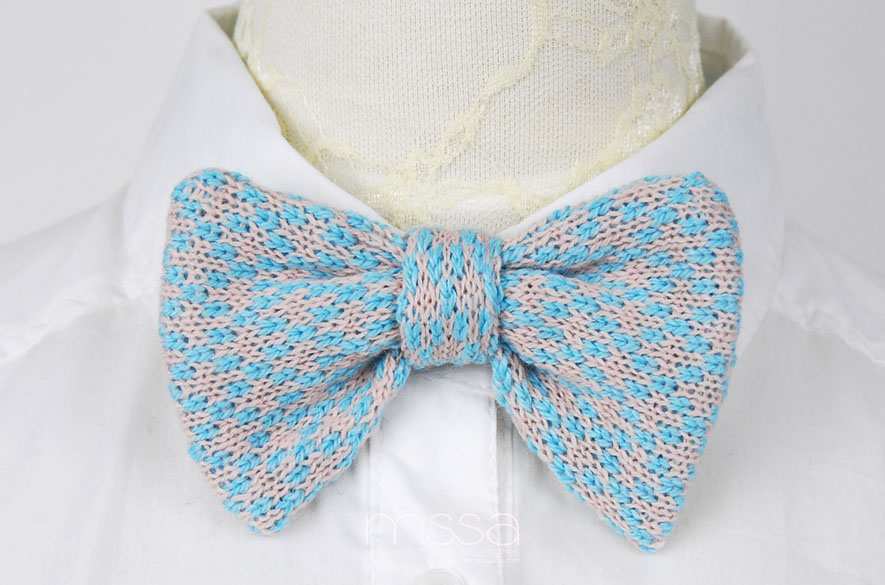 Knitted Bow Tie In Diamond Pattern On Luulla
